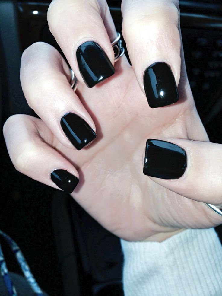 Black Nails Art