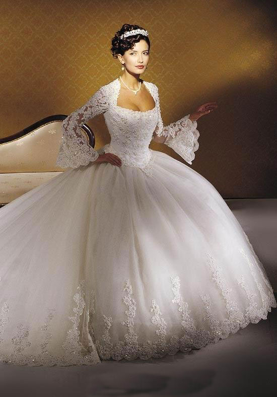 Lace-Princess-Wedding-Dress