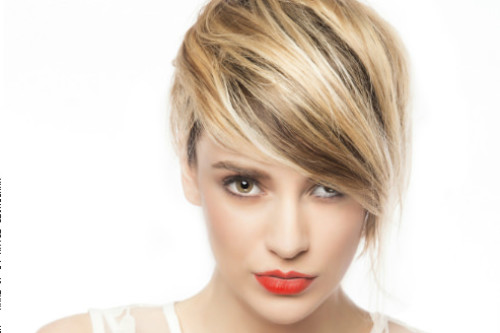 Short-Hairstyle-with-Side-Swept-Bangs