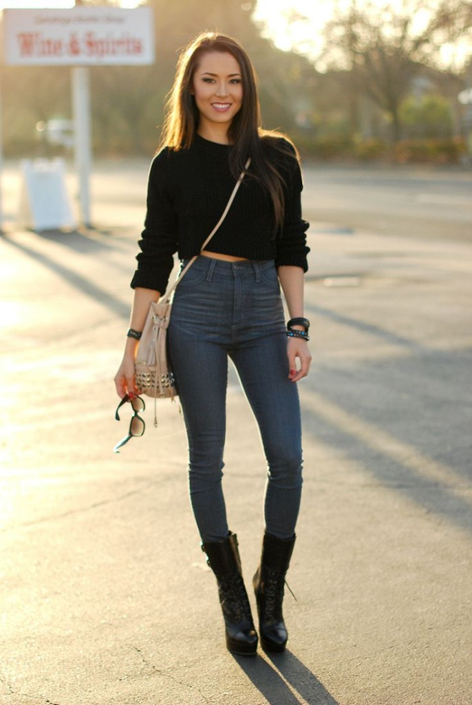 cropped-sweater-and-high-waisted-jeans-
