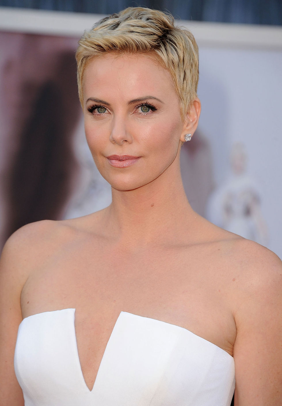 cute-short-hairstyles-charlize-theron