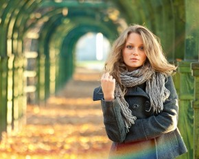 Rocking Fall Fashion Scarves Styles to Contemplate
