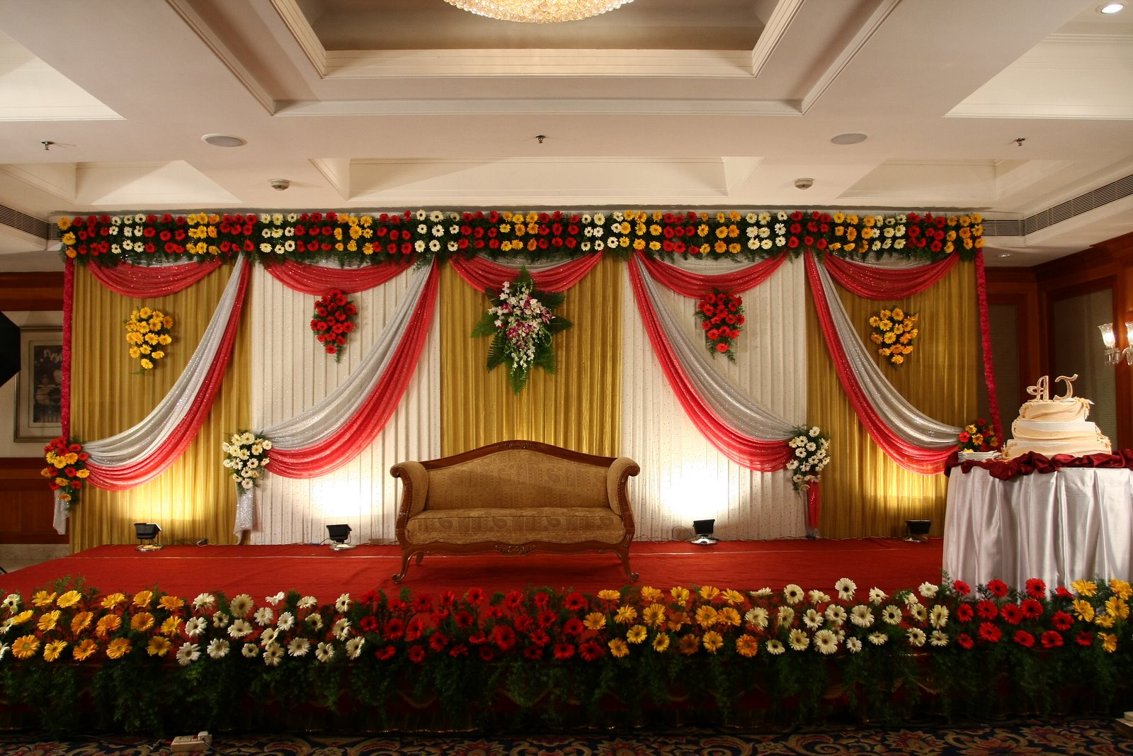 indian-wedding-dinner-decorations