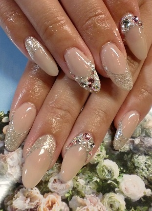 nude-colours-nail-art-design