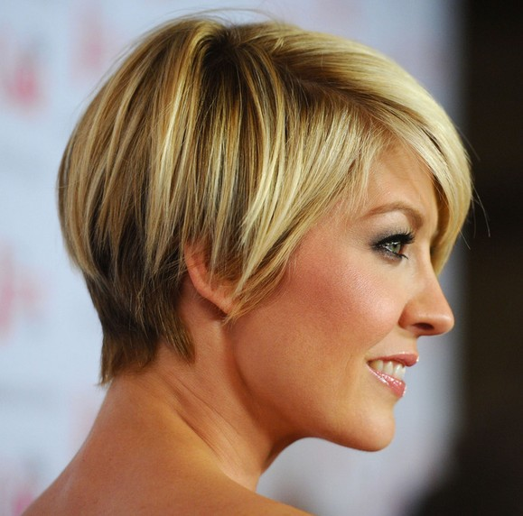 Jenna-Elfman-Short-Haircut