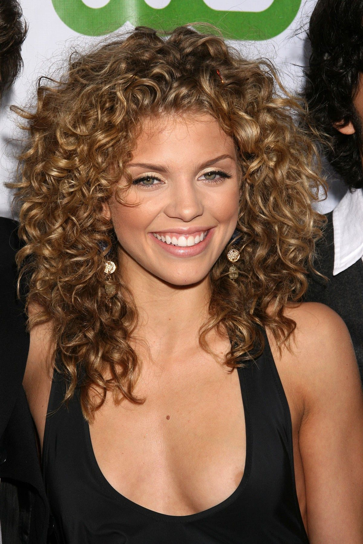 Naturally-Curly-Hairstyle-Ideas