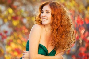 Splendid Curly Homecoming Hairstyles for charming Look