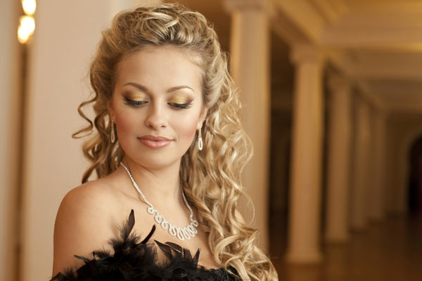 Half Up Curly Hairstyles for the Most Glamorous Appearance