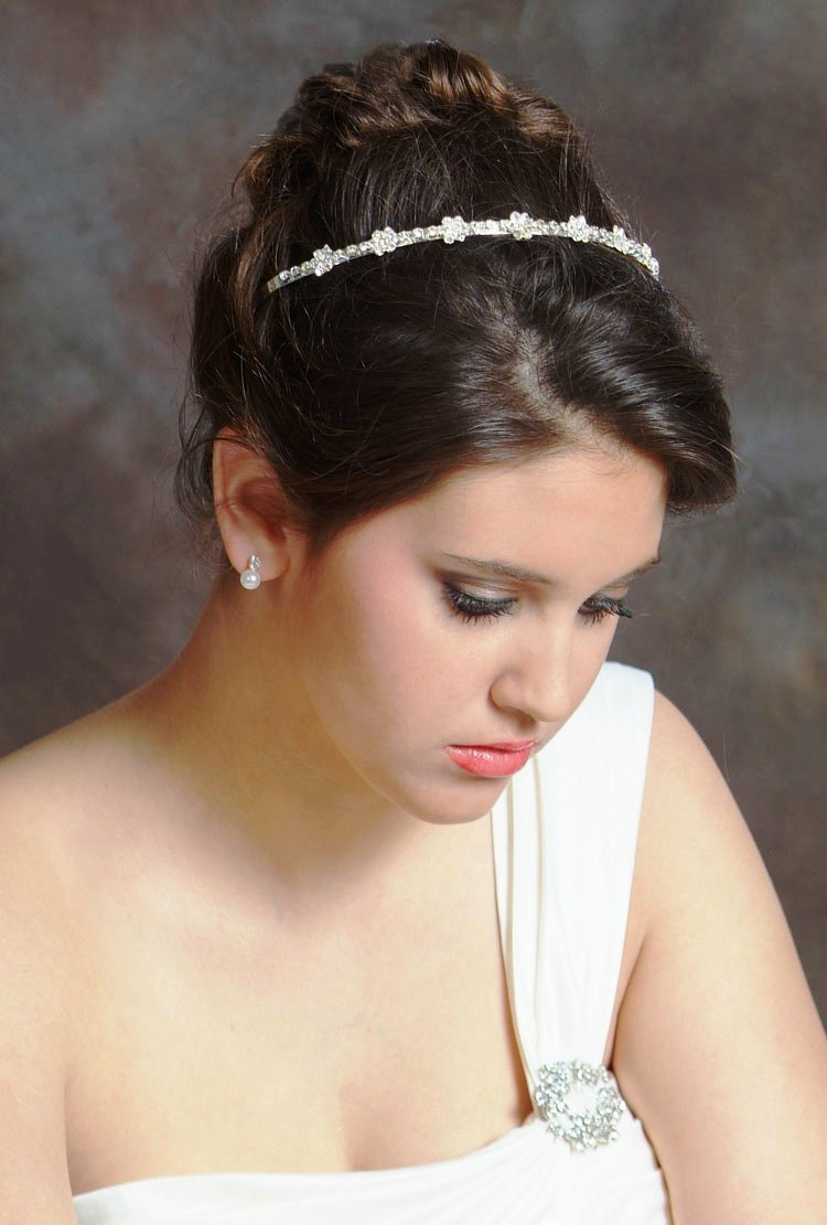 Wedding-Hairstyles-for-Medium-Hair-with-Headband