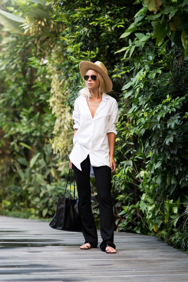 White-Shirt-with-Flared-Jeans