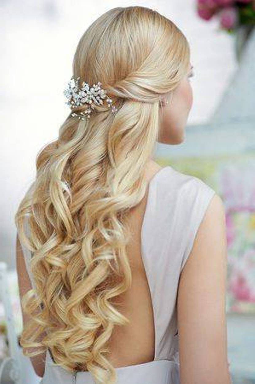 latest-fashion-half-up-half-down-hairstyles-for-really-long-hairs