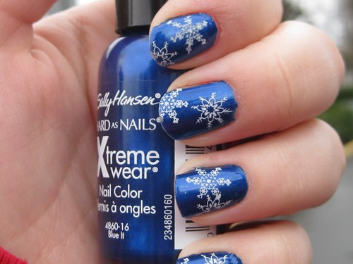 blue-winter-nail-polish-colors