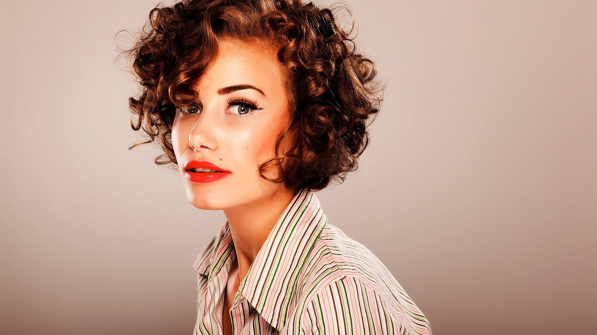Marvelous Looking Short Hairstyles for Curly Hair