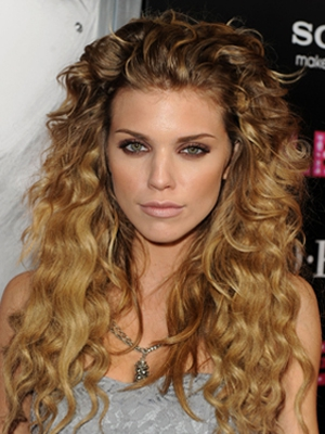 hairstyles-for-long-curly-hair