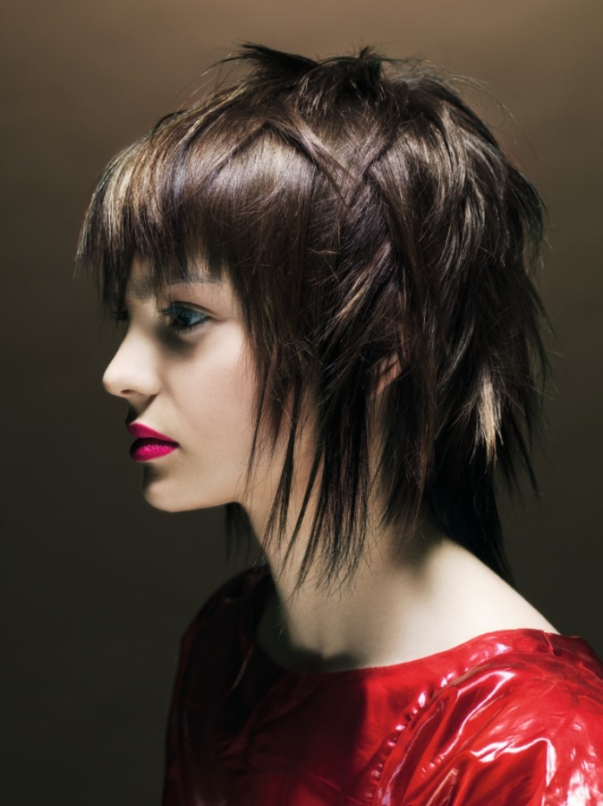 Edgy-Medium-Length-Hairstyles