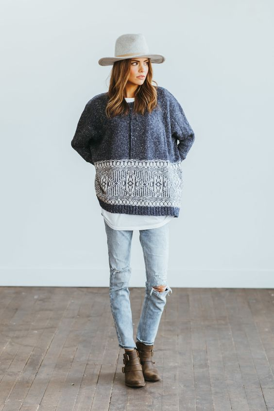 Oversized-Sweater-and-White-Tee