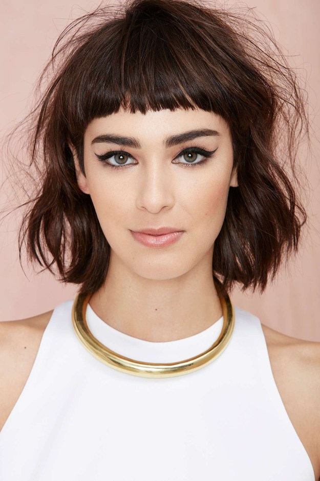 Edgy Medium Length Hairstyles for Stunning Looks