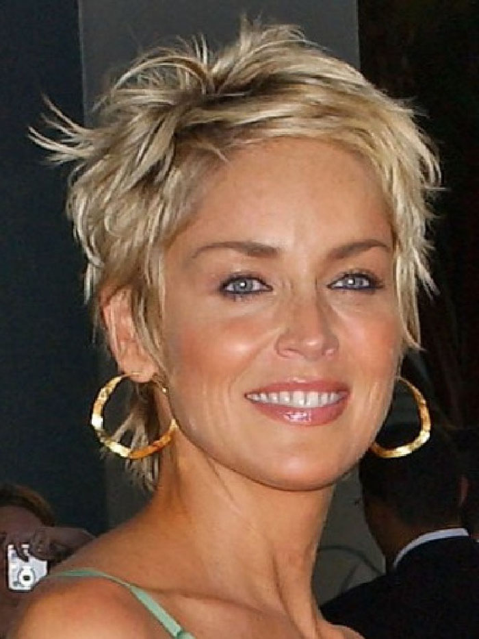 Short-hairstyles-for-women-over-40-nice