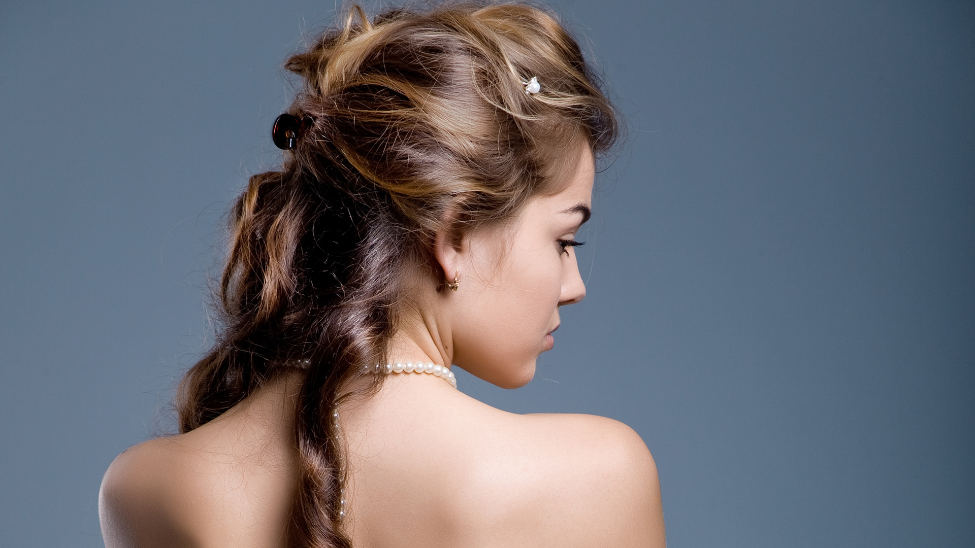Stylish long prom hairstyles