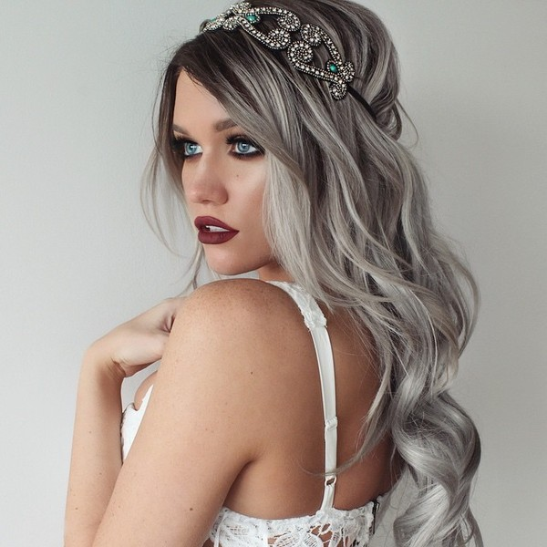 Trendy_Grey_Hair