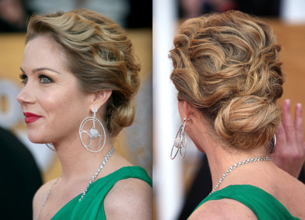 celebrity_wavy_updo_hairstyle_pictures_christina-applegate-updo