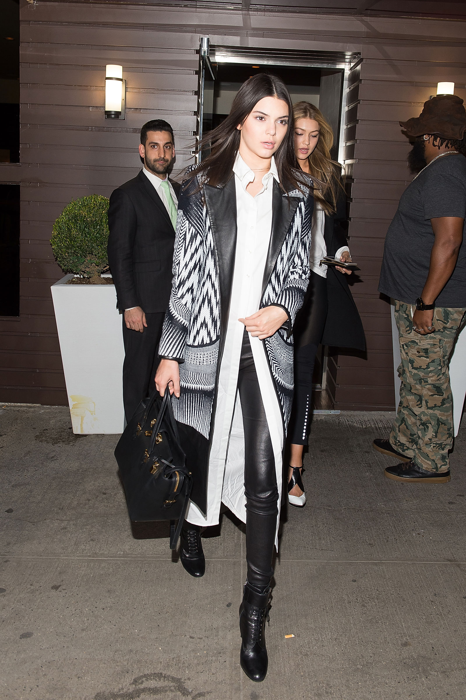 kendall-jenner-in-layered-outfit