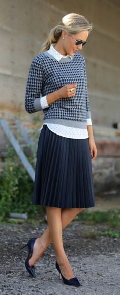 Marvelous Pleated Skirt Outfits For Fashionistas