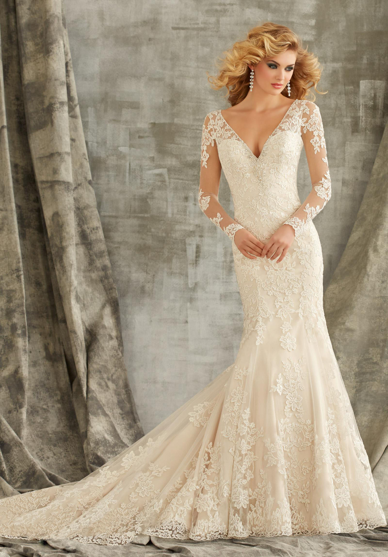 Elegant wedding dresses with sleeves ohh my my for Elegant wedding dresses with long sleeves