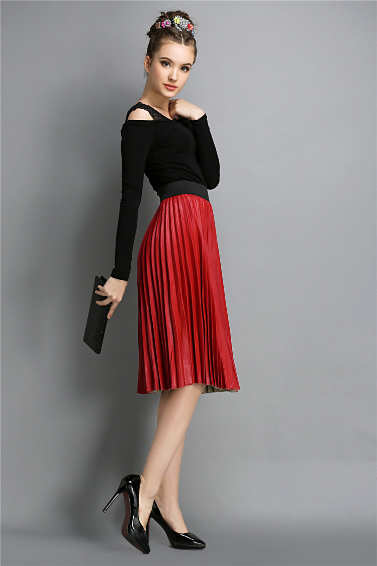 Elegant-Pleated-Skirt-in-Fashion