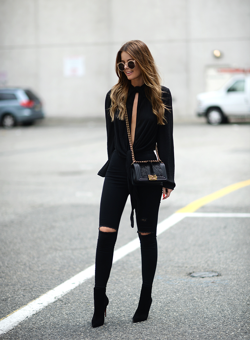 Lovely Black Jeans Outfits