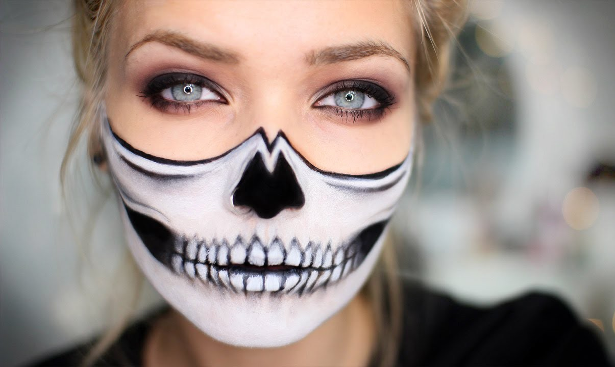 Half Face Skull Halloween Makeu