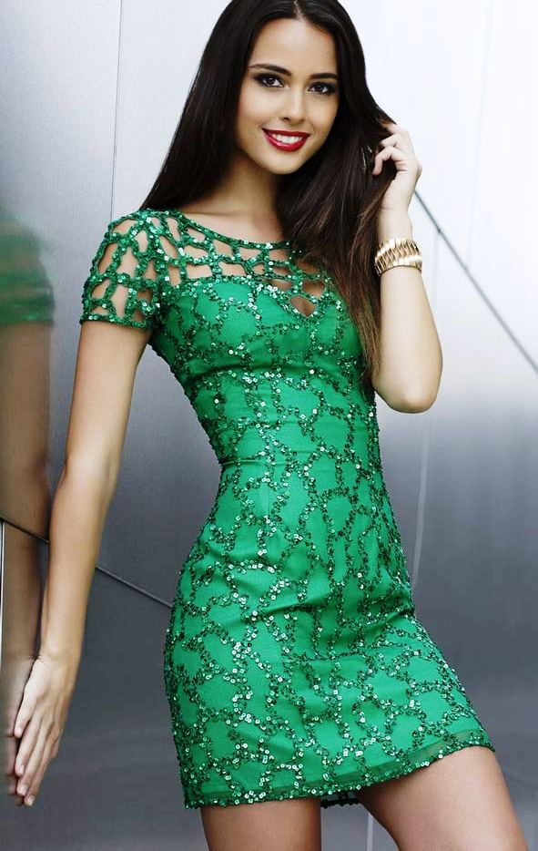 dazzling-party-dresses-for-new-year-eve